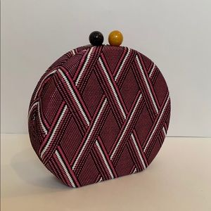 Anthropologie| Round Magnetic Closure Clutch Purse